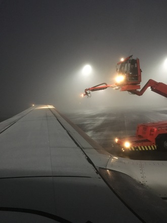 De-Icing before OSL-LHR